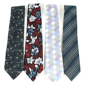 Van Heusen Men's Lot of 4 Silk Ties NWOT       446